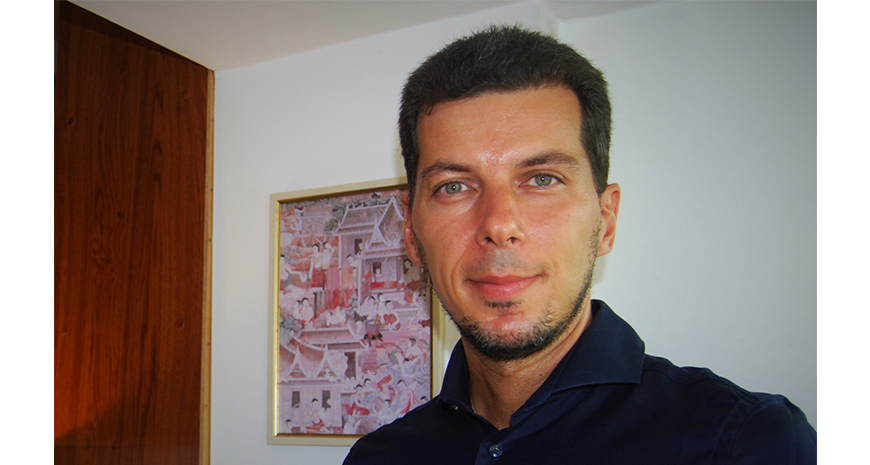 """Chestionar de cititor de cursă lungă – Marius Constantinescu: """"Oricât de puțin mă zgândăre o carte, o voi citi până la sfârșit"""""""